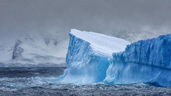 Kapsul diklaim berisi udara Antarktika dari tahun 1765 menjadi pusat perhatian di konferensi iklim Cop26 di Glasgow, Skotlandia.