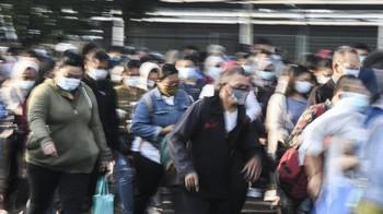 Penumpang KRL di Stasiun Bekasi Tolak Antigen: Saya Buru-buru