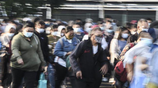 Tes antigen secara acak di Stasiun Bekasi terhambat dengan penolakan calon penumpang KRL yang, misalnya, mengaku terburu-buru.