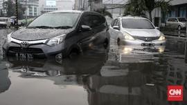 FOTO: Banjir di Kawasan Sekitar Mabes Polri