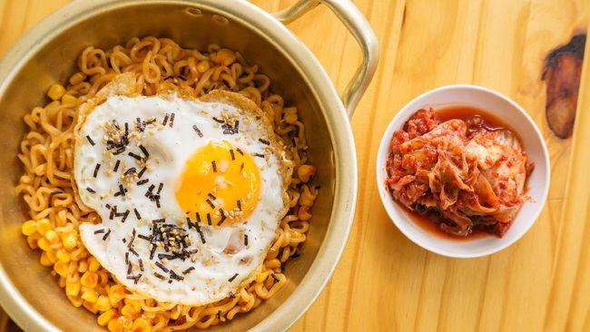 Daftar 10 mie instan terenak di dunia baru saja dirilis. Berikut cara memasak mi instan agar lebih sehat sesuai anjuran ahli gizi.