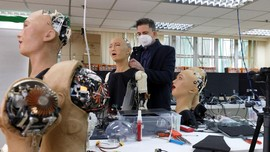FOTO: Menengok Pabrik Robot Humanoid Mirip Manusia