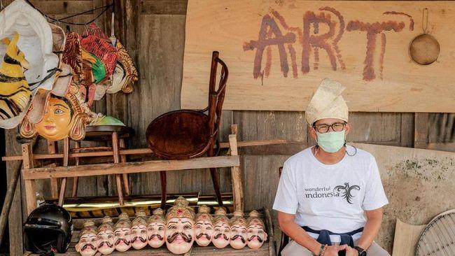 Menparekraf Sandiaga Uno menyatakan potret wisata RI di tengah pandemi corona cukup memprihatinkan karena penyakit membuat kunjungan wisman anjlok 74 persen.