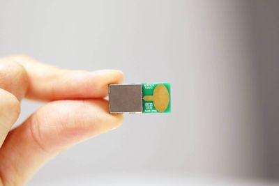 Sedang Viral, LG Bikin Chip Buka Tutup PintuNyalakan Mesin Mobil Pakai HP