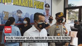 VIDEO: Polisi Tangkap Sejoli Mesum di Halte Bus Senen