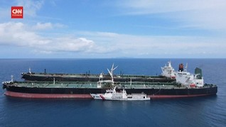 VIDEO: Bakamla Amankan 2 Tanker Berbendera Iran dan Panama