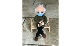 Lelang Boneka Rajut Bernie Sanders Ditawar Rp226 Juta