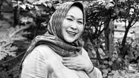 <p>Sejak dahulu, Jenny sering mendapat banyak tawaran berperan dalam film Indonesia, Bunda. Beberapa diantaranya <em>Rahasia Gadis</em> (1975), <em>Kabut Sutra</em> <em>Ungu </em>(1979), dan <em>Gadis Marathon</em> (1981). (Foto: Instagram: @jennyrahman18)</p>