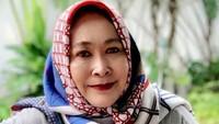 <p>Jenny Rachman merupakan artis senior Tanah Air, Bunda. Ia memulai karier di dunia hiburan saat berusia 14 tahun, Bunda. Saat itu ia debut dalam film <em>Ita Si Pungut</em> pada 1973. (Foto: Instagram: @jennyrahman18)</p>