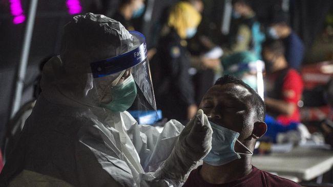 Dinas Kesehatan Jawa Timur menyampaikan corona varian Delta telah menulari orang-orang di sekelilingnya. Semua pihak diminta waspada.