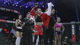 Kisah Acungan Tinju Para Petarung Perempuan MMA Indonesia