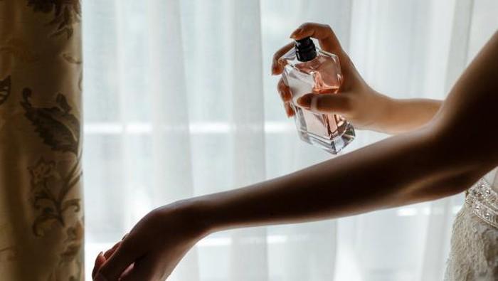 Punya Tingkat Ketahanan Aroma yang Berbeda-Beda, Tambah Pengetahuanmu Tentang Beragam Jenis Parfum Ini