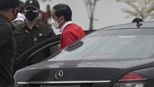 Beda Suara Rocky Gerung & Dokter Tirta soal Kerumunan Jokowi
