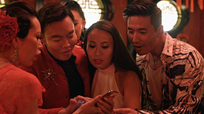 Kisah hidup orang Asia yang 'tajir melintir' tersaji dalam serial reality show Bling Empire yang tayang di layanan streaming Netflix.
