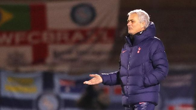 Klub Italia, AS Roma, mengumumkan Jose Mourinho sebagai pelatih yang akan menangani klub tersebut pada musim depan menggantikan posisi Paulo Fonseca.