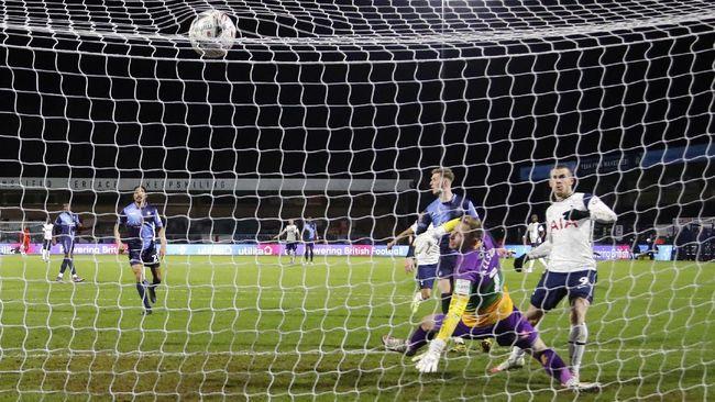 Tottenham Hotspur berhasil menaklukkan Wycombe Wanderers dengan skor 4-1 dalam laga babak keempat Piala FA.