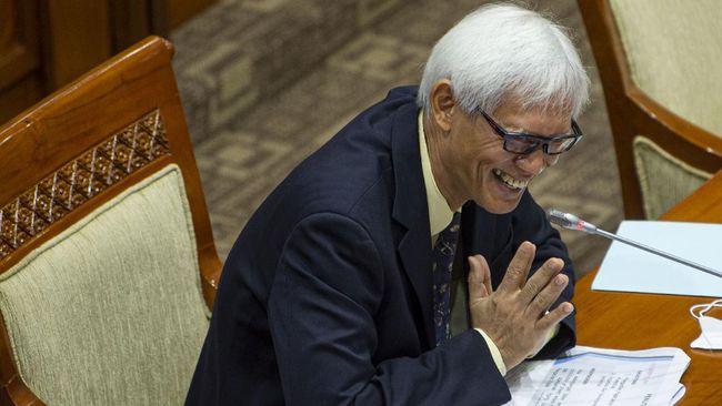 Triyono Martanto ditolak oleh Komisi III DPR dalam uji kepatutan dan kelayakan calon hakim agung.