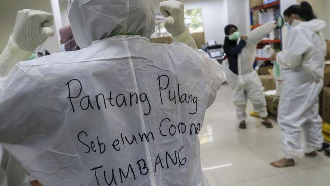 Satgas Penanganan Covid-19 pemerintah pusat menyatakan total ada 12 zona merah di seluruh Indonesia, hanya satu di Pulau Jawa.