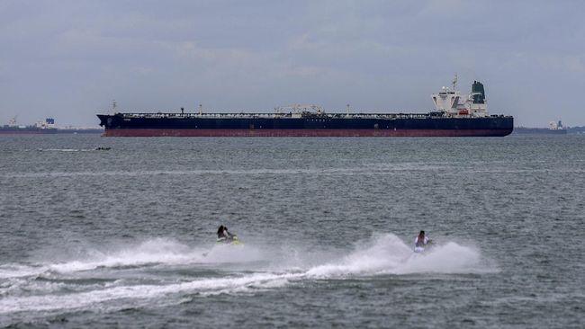 Indonesia membebaskan salah satu kapal tanker milik Iran, MT Horse, setelah ditahan empat bulan lantaran dugaan transfer minyak secara ilegal.