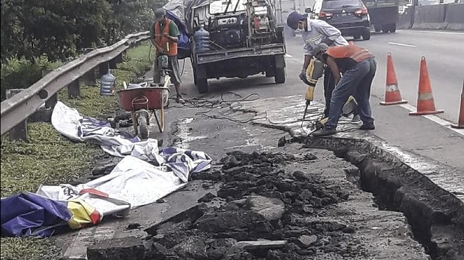 Jalan Tol Gempol-Surabaya Longsor, Dua Lajur Ditutup