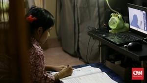 FOTO: Sekolah Jarak Jauh di Tengah Pandemi