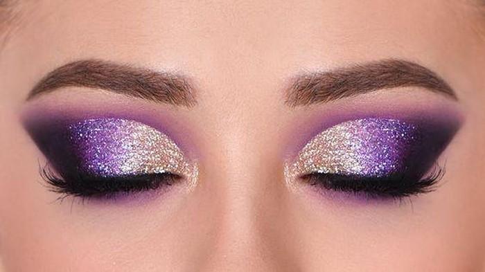 Tetap Cantik Saat Pakai Masker, Ikuti Inspirasi Glitter Eyeshadow Ini!