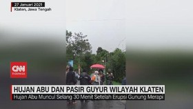 VIDEO: Hujan Abu dan Pasir Guyur Wilayah Klaten