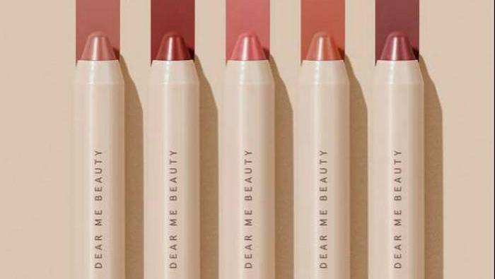 Rekomendasi Lip Crayon Lokal yang Anti Bikin Bibir Kering