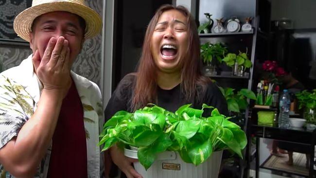 Selebiritas Indonesia, Soimah, mengaku mendapatkan keuntungan Rp15-20 juta sebulan dari bisnis tanaman hias.