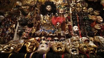 topeng tak bertuan saat musim karnaval venesia batal digelar 1 169