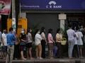 San Suu Kyi Dikudeta, Warga Ramai-ramai Tarik Uang dari ATM