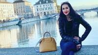 <p>Dilihat dari feed media sosial Instagramnya, Diah memiliki hobi traveling nih, Bunda. (Foto: Instagram @dps_diahpermatasari)</p>