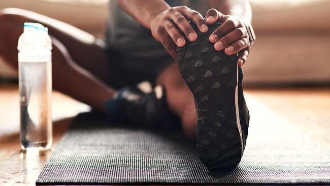 Sebagian orang menyangkan peregangan hanya dilakukan sebelum olahraga. Padahal, peregangan juga memberikan manfaat saat selama dan setelah berolahraga.