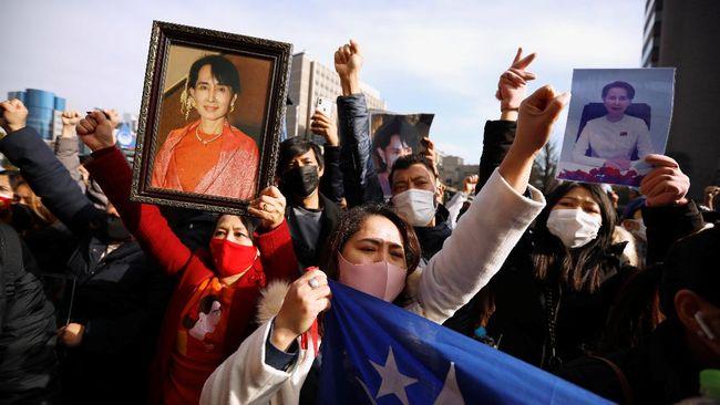 Seluruh dunia mengecam tindakan militer Myanmar menahan pemimpin de facto, Aung San Suu Kyi dan melakukan kudeta, Senin (1/2).