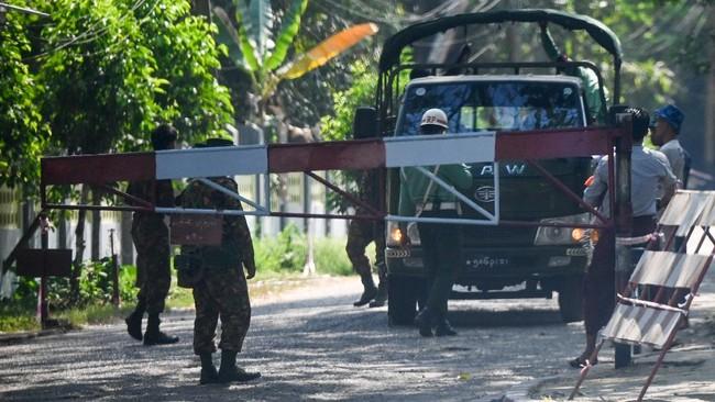 Myanmar jadi sorotan dunia setelah angkatan bersenjata atau Tatmadaw menahan pemimpin de facto, Aung San Suu Kyi dan melakukan kudeta, Senin (1/2).