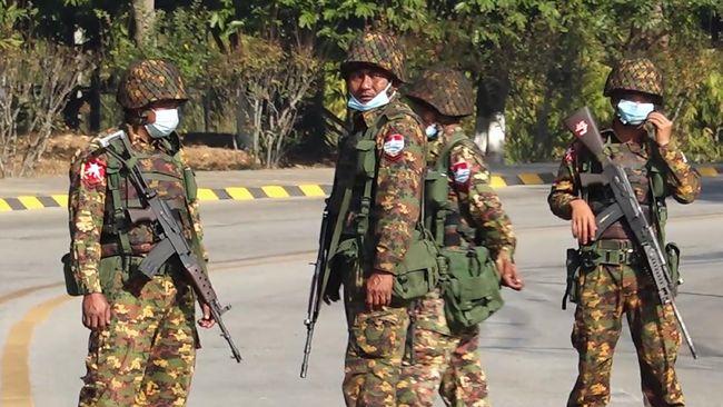 Junta militer Myanmar mengklaim lima aktivis antikudeta di Bago Barat tewas dalam ledakan saat merakit bom.
