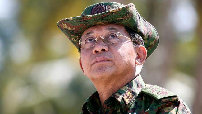 Junta militer Myanmar melarang penduduk menyaksikan tayangan saluran televisi asing melalui satelit.