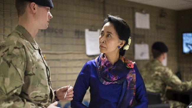 Tentara Myanmar mengumumkan status darurat satu tahun, setelah menahan pemimpin de facto Aung San Suu Kyi dan Presiden Win Myint dalam upaya kudeta.