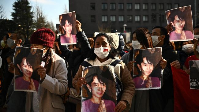 Jepang dilaporkan berencana menghentikan bantuan pembangunan ke Myanmar menyusul terjadinya kudeta militer.