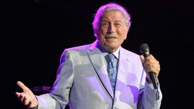 Penyanyi jazz legendaris asal Amerika Serikat, Tony Bennett, mengungkap kabar bahwa ia didiagnosis mengidap Alzheimer sejak 2016.