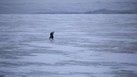 Batu 'Mengambang', Fenomena Langka di Danau Tertua Dunia