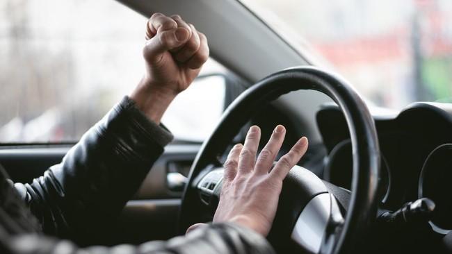 Diadang Collector, Mobil Disopiri TNI Tunggak Cicilan 8 Bulan