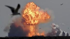 FOTO: Detik-detik Roket Spacex Meledak