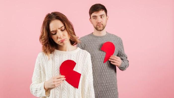 5 Tanda Pasangan Ingin Putus dengan Kamu