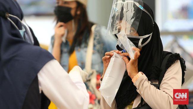 Kementerian Perhubungan mulai menerapkan penggunaan alat tes corona  GeNose di Pelabuhan Tanjung Priok pada Jumat (26/2). Tapi tes tak wajib.