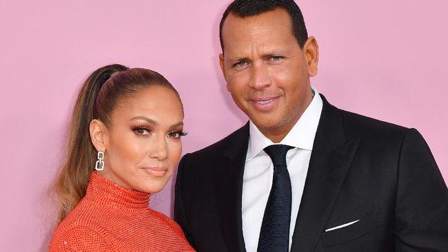 Jennifer Lopez (J-Lo) dan kekasihnya A-Rod bantah isu perpisahan.