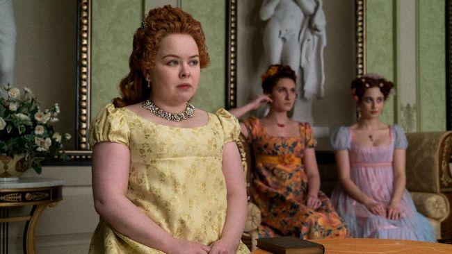 Pemeran Penelope Featherington, Nicola Coughlan, mengaku canggung menonton Bridgerton dengan ibunya karena serial itu banyak adegan syur.