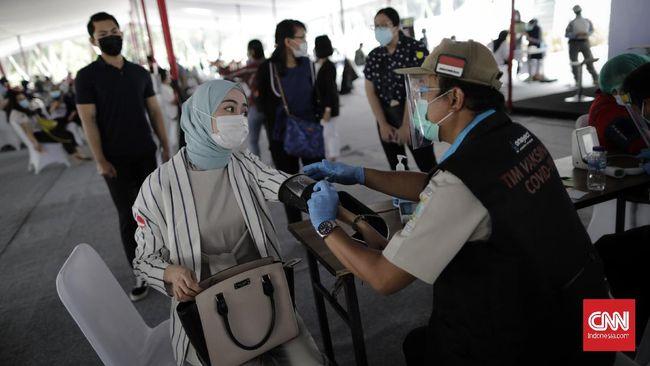 Vaksinasi covid-19 kepada pelayan publik seperti guru dan PNS akan dimulai 17 Februari mendatang dengan prioritas di Jawa-Bali.