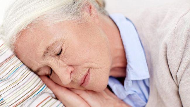 Waktu tidur lansia umumnya lebih sedikit dibandingkan kelompok usia lainnya. Apa penyebabnya?