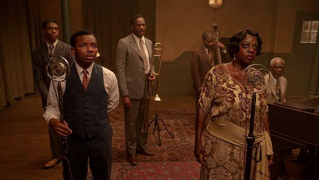 Setelah kepergiannya, Chadwick Boseman mendominasi ajang penghargaan berkat perannya di Ma Rainey's Black Bottom. Berikut sinopsis Ma Rainey's Black Bottom.